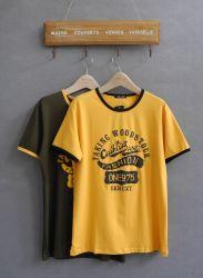 De Goedkope T-shirts van Stocklot met de Verschillende Kleding van de Voorraad van Ontwerpen