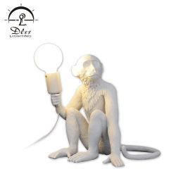 Energie van het Bureau van de Lamp van de aap de Unieke Creatieve Moderne - de Lamp van het Bureau van de besparing