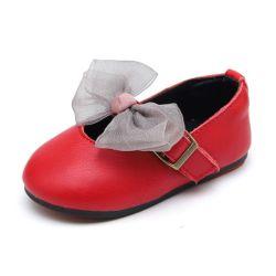 幼児の前歩行者はBow-Knotのまぐさ桶の靴の幼児王女結婚披露宴の服靴Esg14170が付いている女の赤ちゃんの平らな革に蹄鉄を打つ