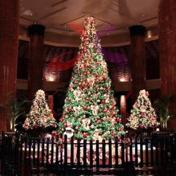 Piscina 20pés 30 pés 40 pés 50 pés frescos insufláveis gigantes LED Espiral Artificial animados Árvore de Natal com luzes