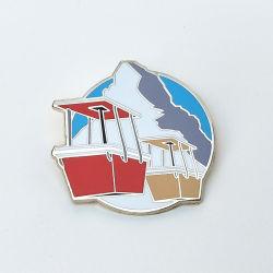 Distintivo diretto di prezzi preferenziali di alta qualità del metallo dello smalto del risvolto della fabbrica Cloisonne dura su ordinazione di Pin