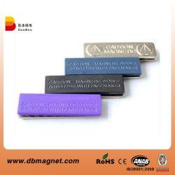 Forte distintivo magnetico di NdFeB del campione libero