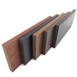 De hout Gebouwde OpenluchtBevloering van de Tegels WPC Decking van de Vloer Stevige Houten