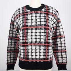 正方形のジャカード対照カラーばねおよび秋の女性は長い袖の円形首セーターを編んでいるプルオーバーの女性を編んだ