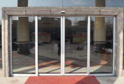 El bastidor de aleación de aluminio Puertas Automáticas correderas de cristal telescópico