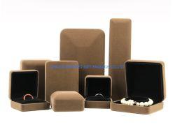 صندوق هدايا مجوهرات مستطيل للندول حلقة من الدندانتيل الأراجيليه صندوق تغليف الهدايا مع سطح بني مقفل بالجملة