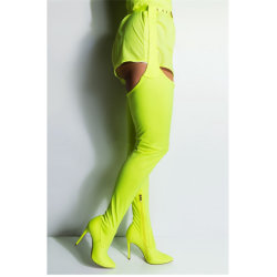 하이 힐 겨울 여자의 시동이 무릎에 섹시한 Belte 형식 제조자에 의하여 구두를 신긴다