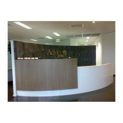 Salon de beauté SPA Meubles de bureau Contemporarymodern Semi demi-cercle de la réception de la moitié de la conception de la réception de l'hôtel ronde