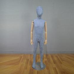 Estrutura de corpo inteiro manequim crianças acondicionadas com braços de madeira