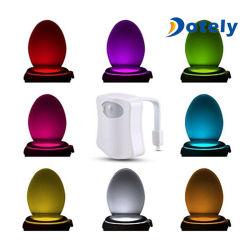 Домашняя сиденье туалета ночной свет лампы 8 - изменение цвета в ванной комнате человеческого тела автоматического перемещения включается индикатор датчика