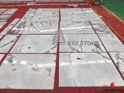 構築またはフロアーリングまたは床タイルまたは壁のクラッディングまたは装飾または建築材料のための白くか黒くまたは黄色または赤くまたは緑またはベージュ色または灰色または青またはブラウンまたはピンクの自然な石造りの大理石