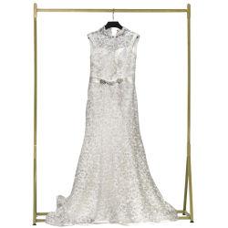 Использовать одежду второй стороны одежду в тюки свадебные платья