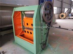 Erweitertes Metallineinander greifen, das Maschine locht und flachdrückt