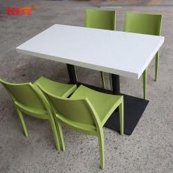 Maßgeschneiderte solide Oberfläche Couchtisch Esstisch mit Stühlen
