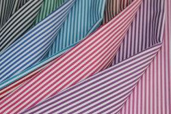 60綿40ポリエステルあや織りのヤーンによって染められるワイシャツファブリックを縞で飾る