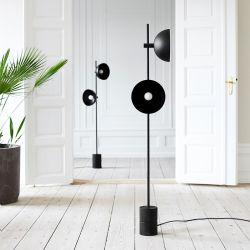 دراسة حديثة أمريكية بسيطة ومبدعة ومخصصة للأرضية مع دراسة نورديك مصباح الوقوف في طابق غرفة المعيشة (WH-MFL-60)
