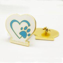 Speld van de Revers van Unifrom van de School van de Kentekens van de Gift van de Herinnering van de Reis van het Email van de Ambacht van de Kunst van het Metaal van de douane Heart Badges Company de Promotie