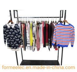 Stock usati delle balle dei vestiti che coprono il maglione elegante del V-Collo dell'indumento di inverno del Turtleneck del maglione