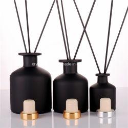Il diffusore profumato bianco nero dell'olio decora il bastone della canna dell'aroma della bottiglia di vetro per fragranza domestica