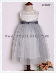 長い赤ん坊のフロックはクリスマス・パーティのためのウェディングドレスのパーティガールの服を設計する