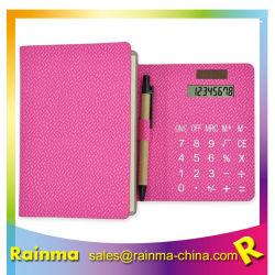 PUのペンおよび粘着性があるメモのノートが付いている革計算機のノート
