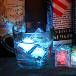 Venda quente LED Fantasia Ice Cube intermitente para beber decoração para festa e bar