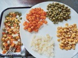 La santé de maïs en conserve de légumes frais mélangés, carotte, de haricots 3/4/5 sortes dans l'étain de l'emballage