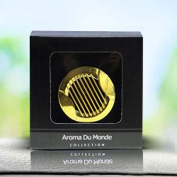 Gelbes nettes Metall mit einem Schelle-Auto-Duftstoff