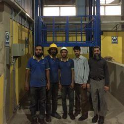 1T 2T 3t 4T 油圧式垂直倉庫貨物リフト産業用 貨物エレベーター