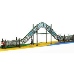 Neueste im Freiendschungel-Gymnastik-Eignung-Tunnel-Brücke mit den Schwingen-Sets, die Seil klettern