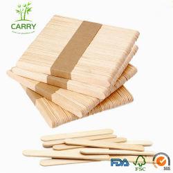 La main en bois et bambou personnalisé de bâtonnets de crème glacée
