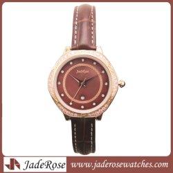 Dame-Form-Uhren, eindeutige Kristallquarz-Uhr mit echtem Leder