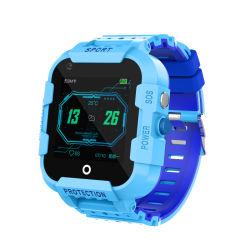 Les enfants Montre GPS avec la caméra d'appel Composer l'emplacement de chat vocal Tracker montre-bracelet 1,4 pouce étudiant étanche Smart Watch cadeau Jouet