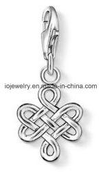 Chinesische Knoten-Charme-Form-Schmucksachen