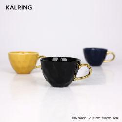 En céramique émaillée de couleur tasse avec poignée d'or pour le commerce de gros