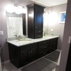 À la mode Salle de bains moderne avec des armoires de concurrencer le prix