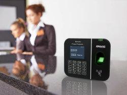 Los datos biométricos de huella digital de tarjetas inteligentes de asistencia de tiempo