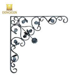 Portão de ferro forjado de ornamentação