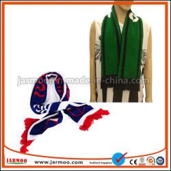 Das Acryl, das warme Winter-Schal-Mama und Babys strickt, strickte Schal