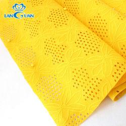 100%년 의복을%s 폴리에스테에 의하여 뜨개질을 하는 노란 구슬로 만드는 레이스 직물