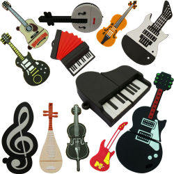 Le PVC des instruments de musique Piano Guitare Microphone lecteur Flash USB