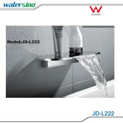 Conception haut de gamme filigrane Salle de bains avec douche de la goulotte de la goulotte en cascade