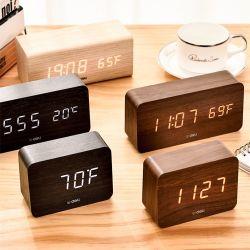 Bureau de l'usine salle de séjour d'alimentation de la lumière LED Réveil en bois Tableau Horloge de bureau