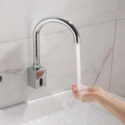 Charmingwater穴のカバープレート、クロム虚栄心のコック、手が付いている自動センサーのTouchlessの浴室の流しのコックは浴室を放す