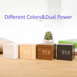 Miniwürfel-hölzerne Schreibtisch-Alarmuhr mit Zeit-Dattel-Temperatur