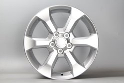 RV 4 Alloy Wheel Rims 17X7 النسخة المتماثلة من العجلة اللوّة لـ تويوتا