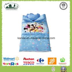 印刷された子供の寝袋は様式を囲む