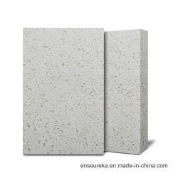 Salle de bains en pierre de quartz de céréales secondaires vanité