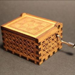 Di Music Box di legno intagliato oggetto d'antiquariato di disegno di modo