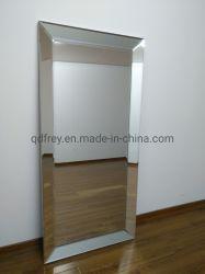 يد ينحت خشبيّة أثر قديم مرآة/[بيكتثر فرم]